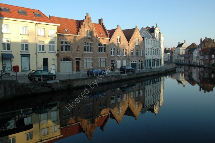 Canal Living