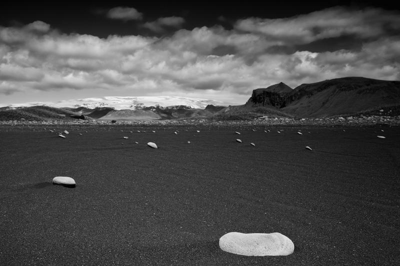 Drifting stones