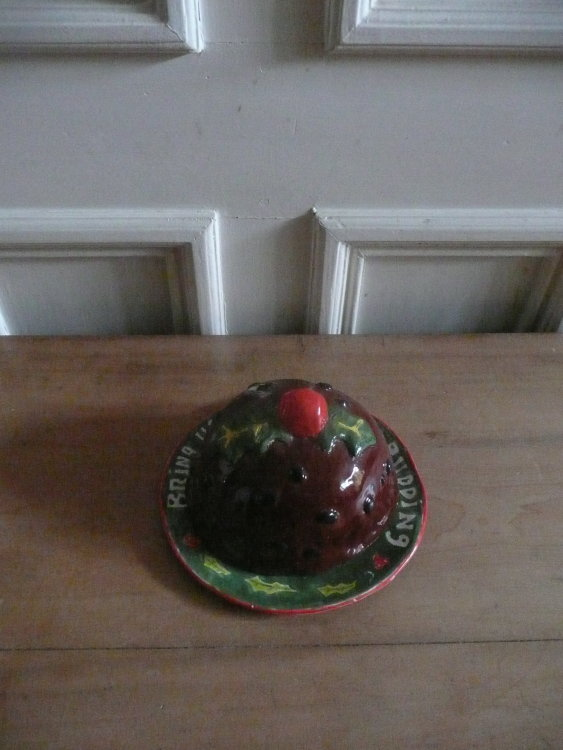 Christmas Pudding Cover and Dish