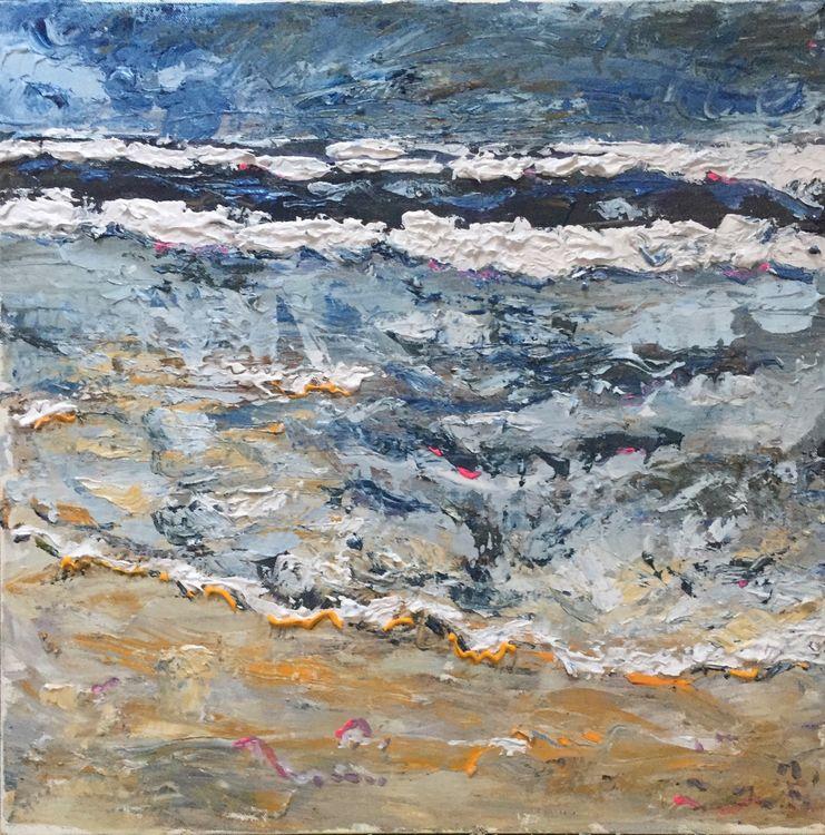 Wave lap the shore