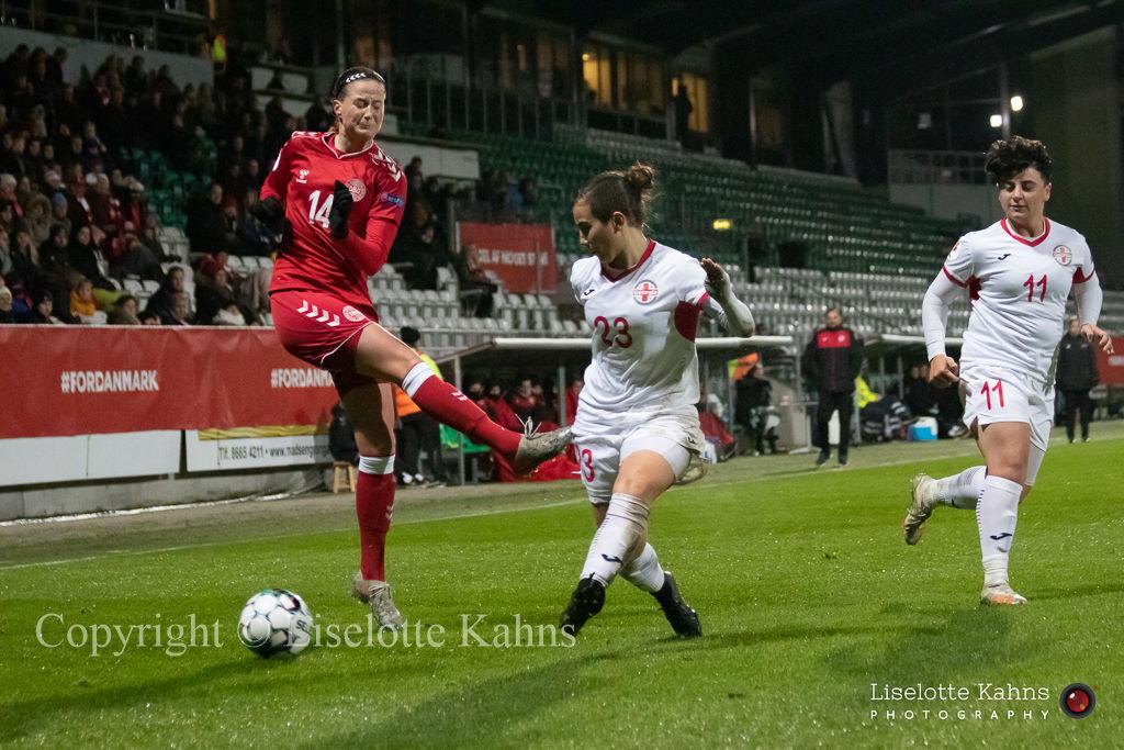 WMS NT, Denmark vs. Georgia. Viborg 2019. Nikoline Sørensens shot is blocked
