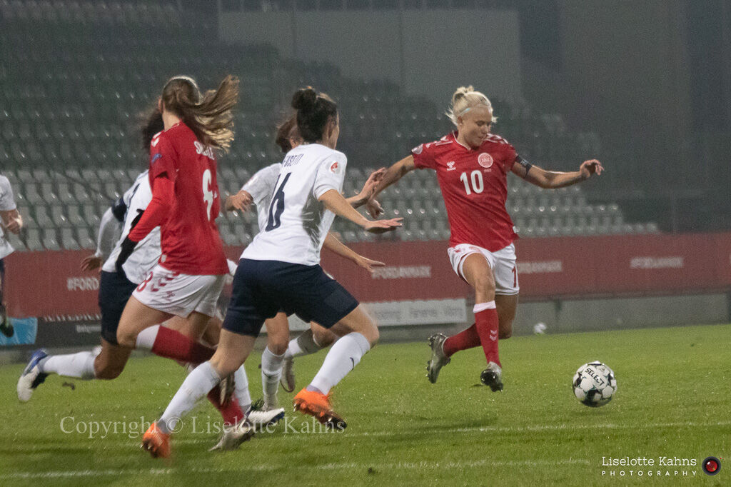 WMS NT, Denmark vs. Italy. Viborg 2020. Pernille Harder in action