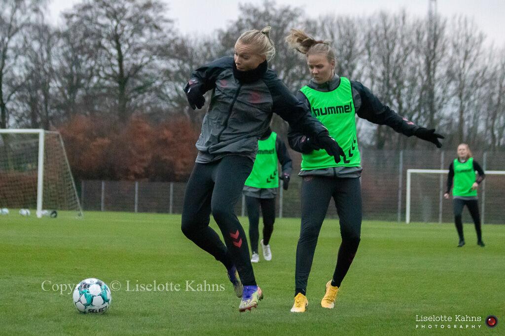 WEURO2022 training session in Herning, November 2020. Stine Larsen and Caroline Møller in action