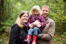 I loved this woodland background for this family photo!