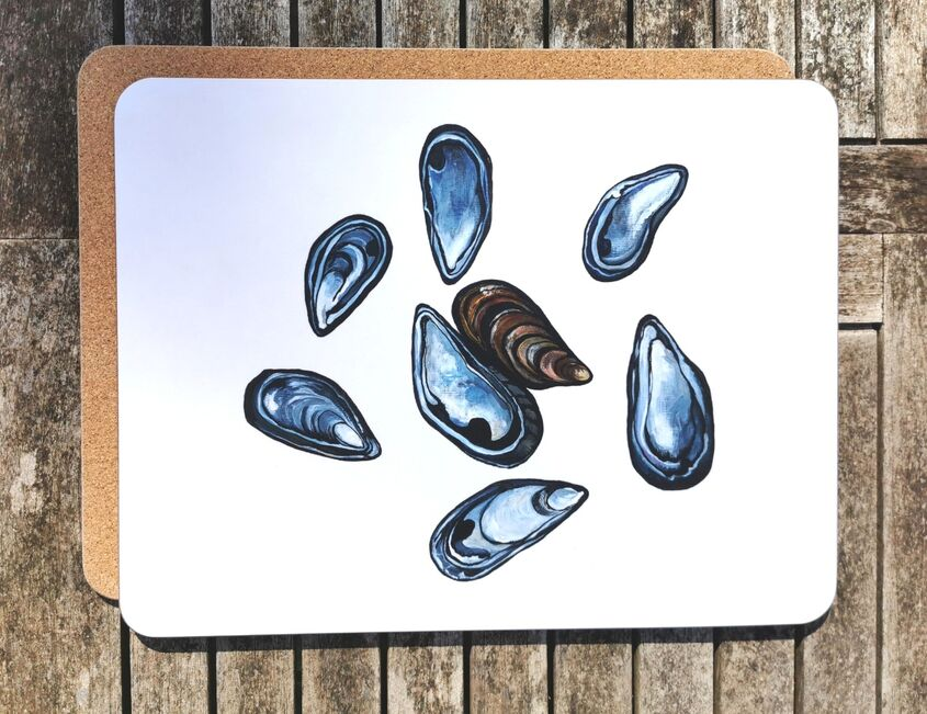 Mussel Shells large placemat/serving mat