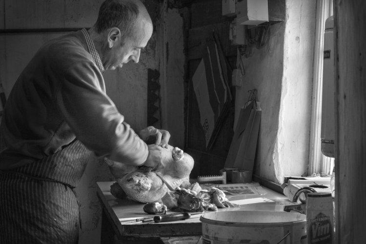Jeffrey Todd preparing a Christmas turkey (II), December 2014