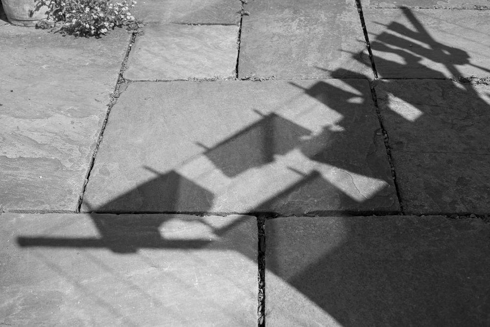 Washing line shadow