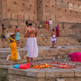 Prays on the Ganges River bank - Varanasi