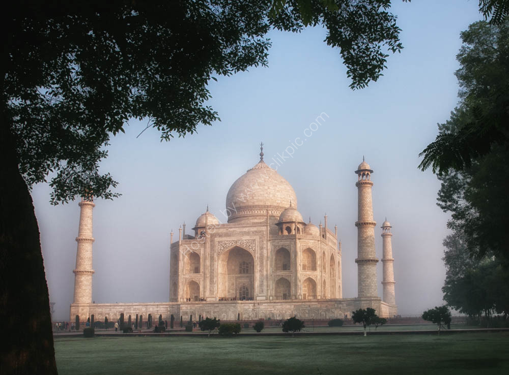 Taj Mahal -side view