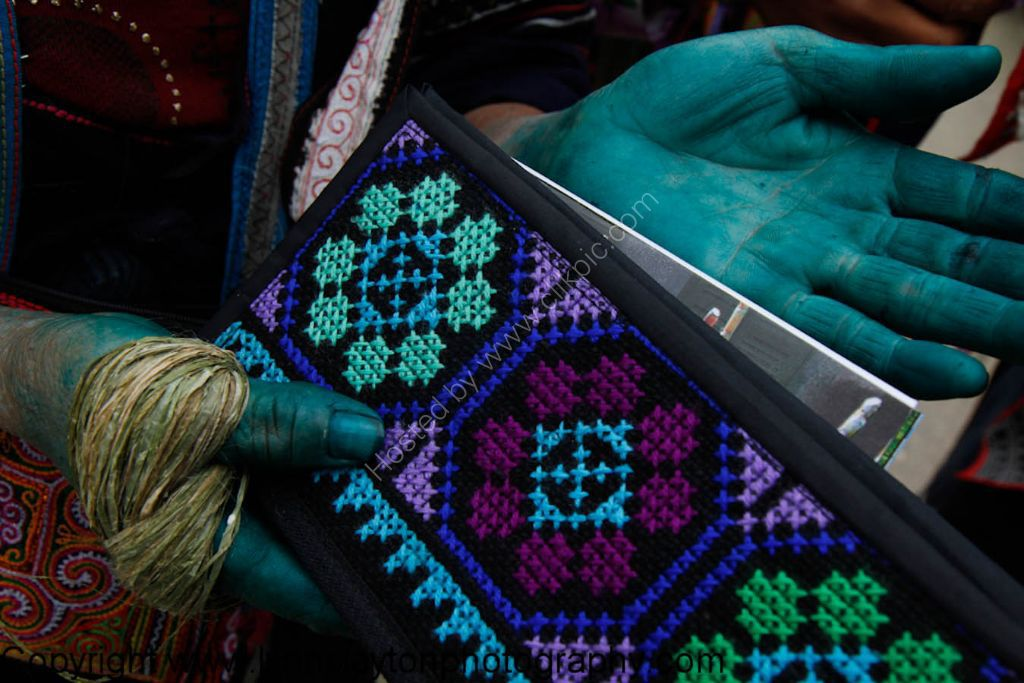 Hmong Blue dye and weaving -SAPA