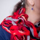 Red network scarf