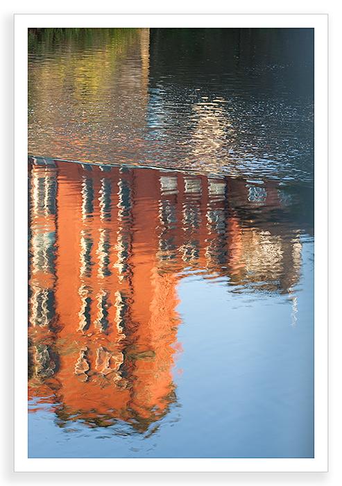 Strutt Reflection
