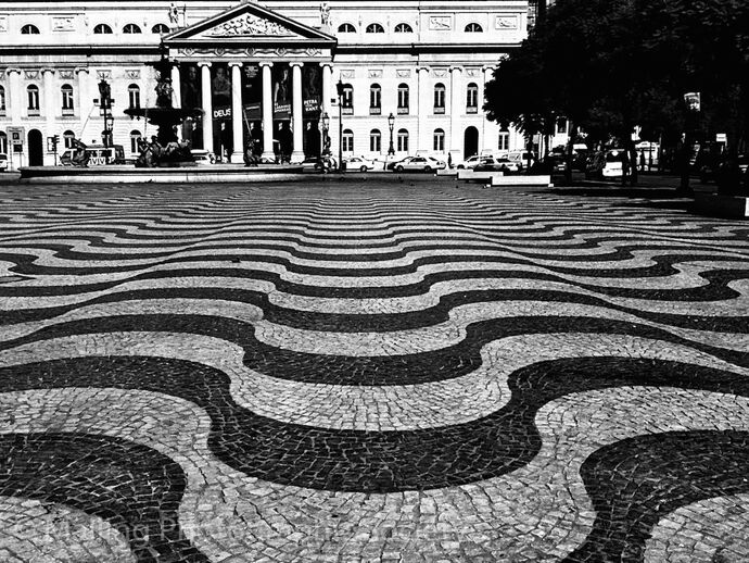 1 Crazy Lisbon by Jo Howard