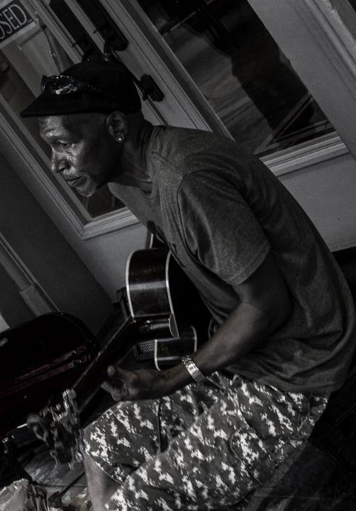 Street blues artist New Orleans