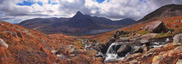 Tryfan & Llyn Ogwen panorama.