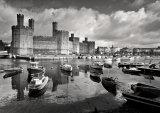 Caernarfon Castle & harbour, mono.