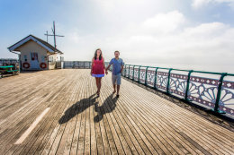 Pre wedding photoshoot Penarth Pier
