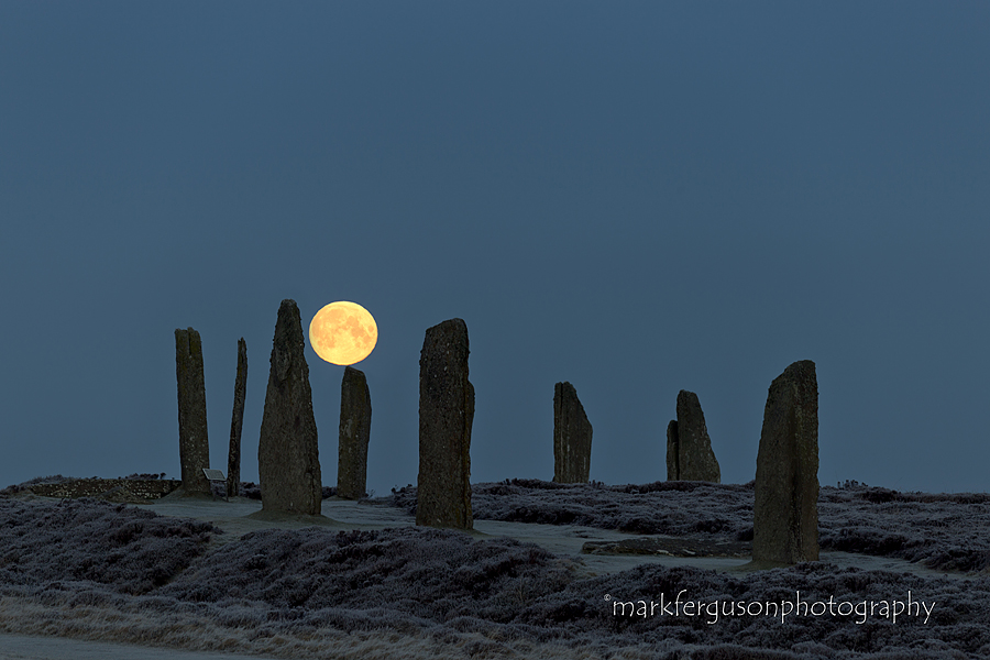 Brodgar moonset
