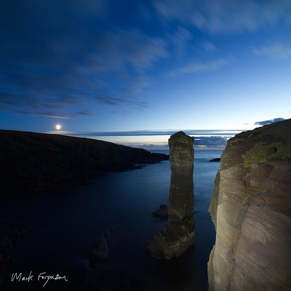 Yesnaby moonset
