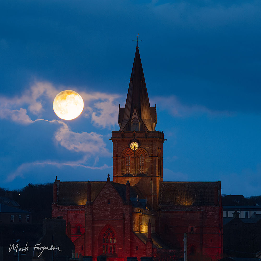 St Magnus Cathedral moonrise