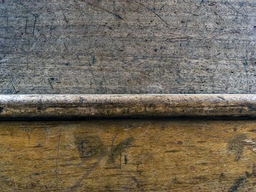 Desk 22 ref00890