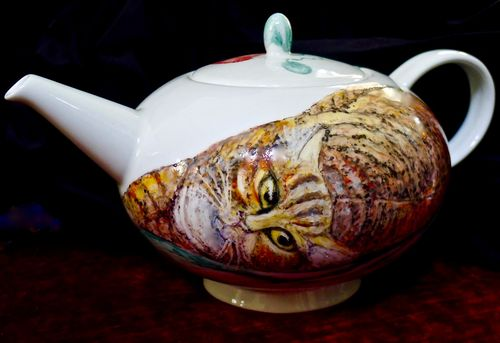 Cat Portraits onto Teapots