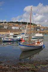 16744A Mousehole Harbour