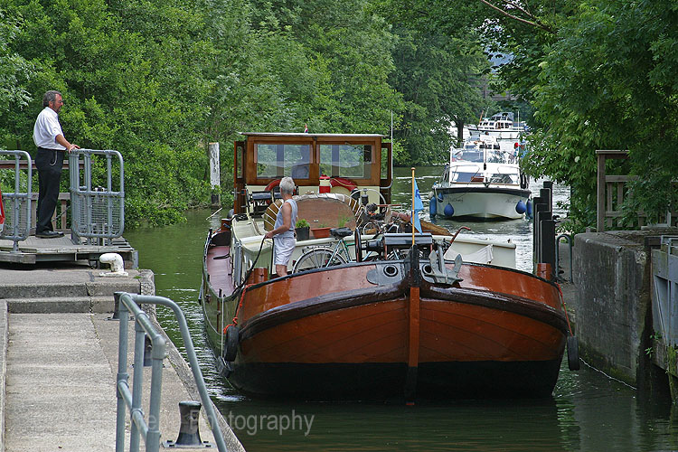 2663A River Thames