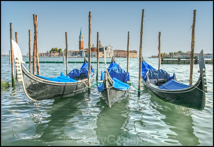 gondolas colour