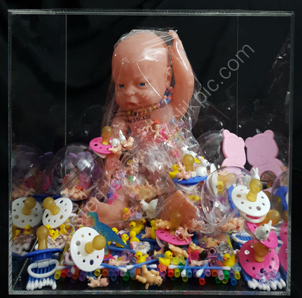 Drowning in plastic: this bag is not a toy (front view)