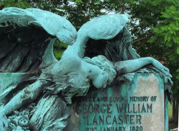 Angel 2, East Sheen Cemetery
