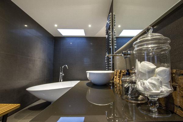 Burdenshott Bathroom 2