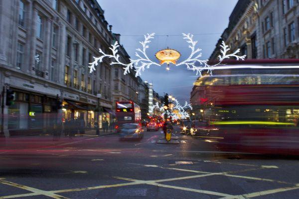 Regent Street, Passing Buses