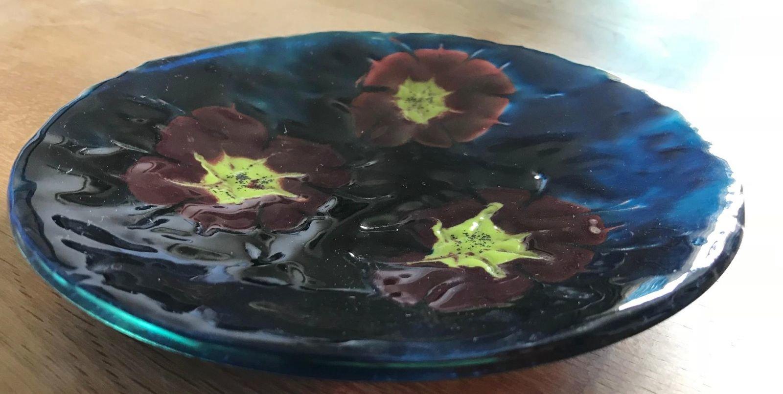Three flowers platter