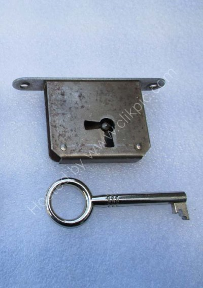 Now sold out.Staples Laddderax key (only) for lock with right of centre key hole position. Please click on image for more information and to buy.