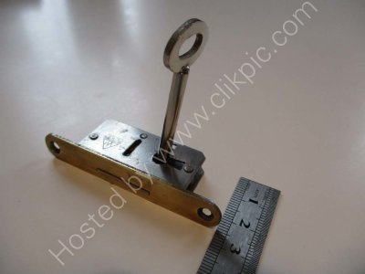 £11+ £4 p+p. Key only for the smallest of the three Ladderax locks. Click on image for more information or to buy.