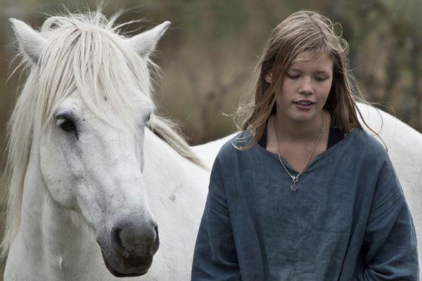Fototips B 16 - 01 C - jente og hest