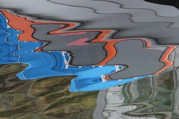 Fototips A - 16 - abstrakt båt vann