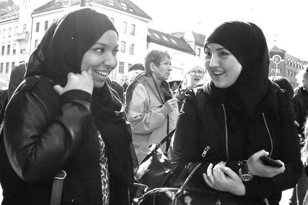 Fototips B - 01 - to kvinner