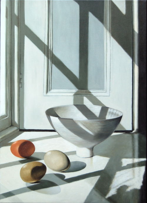 Porcelain and Eggshell  (2009, oil on canvas, 70 x 50 cms)