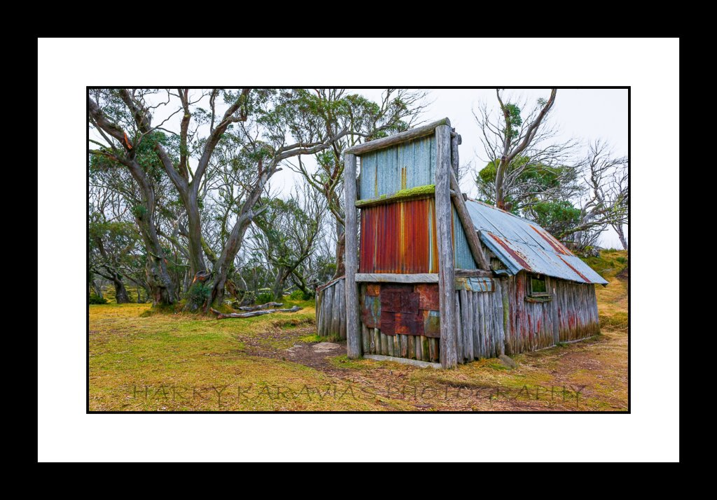 The Hut, Vic