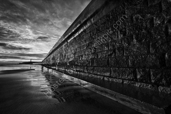 Sunrise on Roker Pier (1)