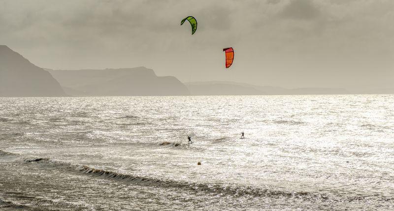 Kitesurfers 1