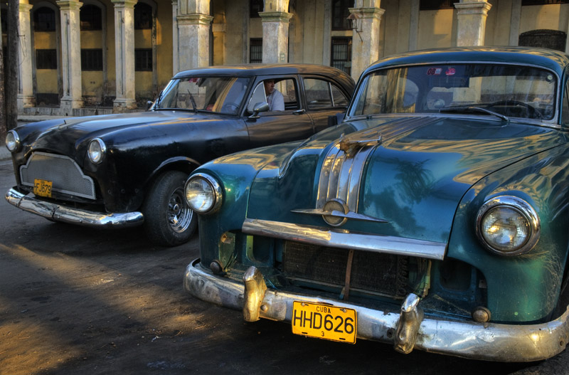 Cars at Havana station