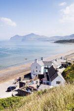 Houses on Morfa Nefyn beach, Llyn