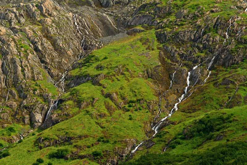 Cascades alpines à Portage Glacier - détail