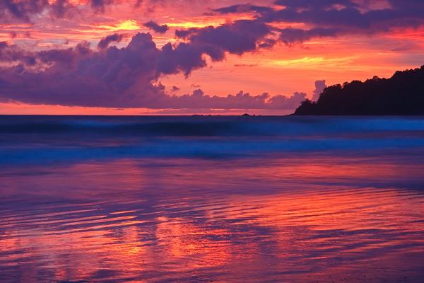 Coucher de soleil rose sur le Pacifique