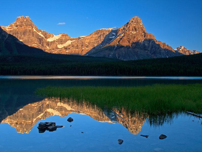 Lac Upper Waterfowl au lever du soleil