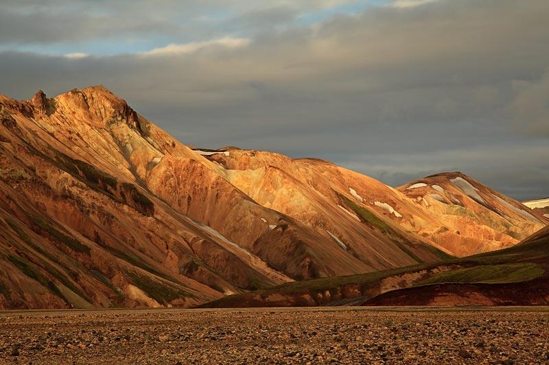 Montagnes du Landmannalaugar au coucher du soleil 2