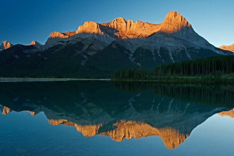 Mont Lawrence Grassi au lever du soleil